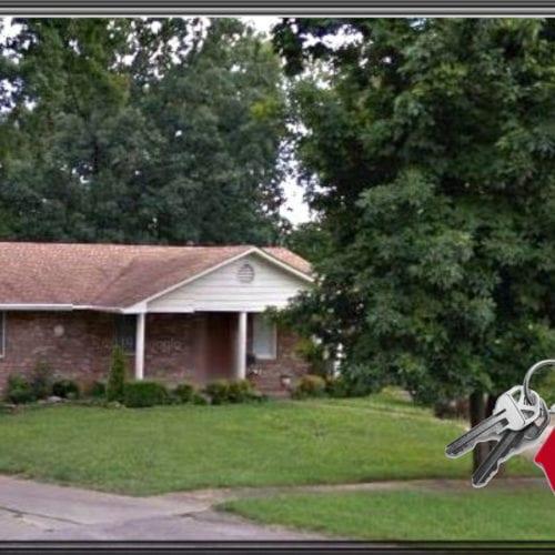 215 Johns Rd E | Radcliff Rental Property